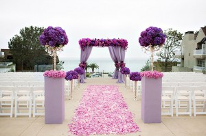 radiant-orchid-ceremony-decor